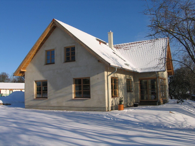 Neubau einfamilienhaus in strohballenbauweise for Neubau einfamilienhaus
