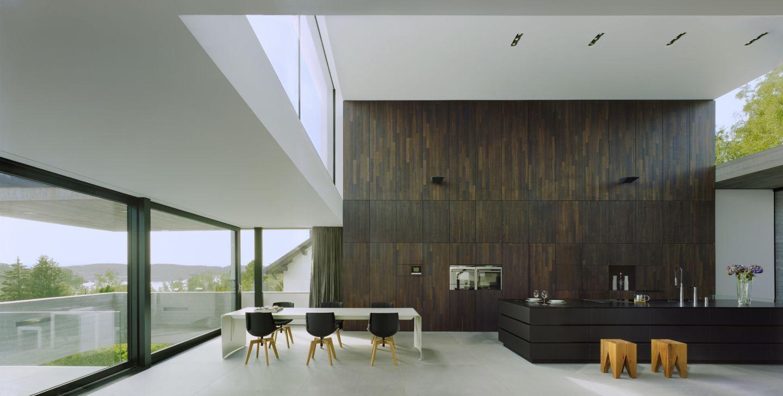 Luxusküche luxus küche mit holzwand bauemotion de