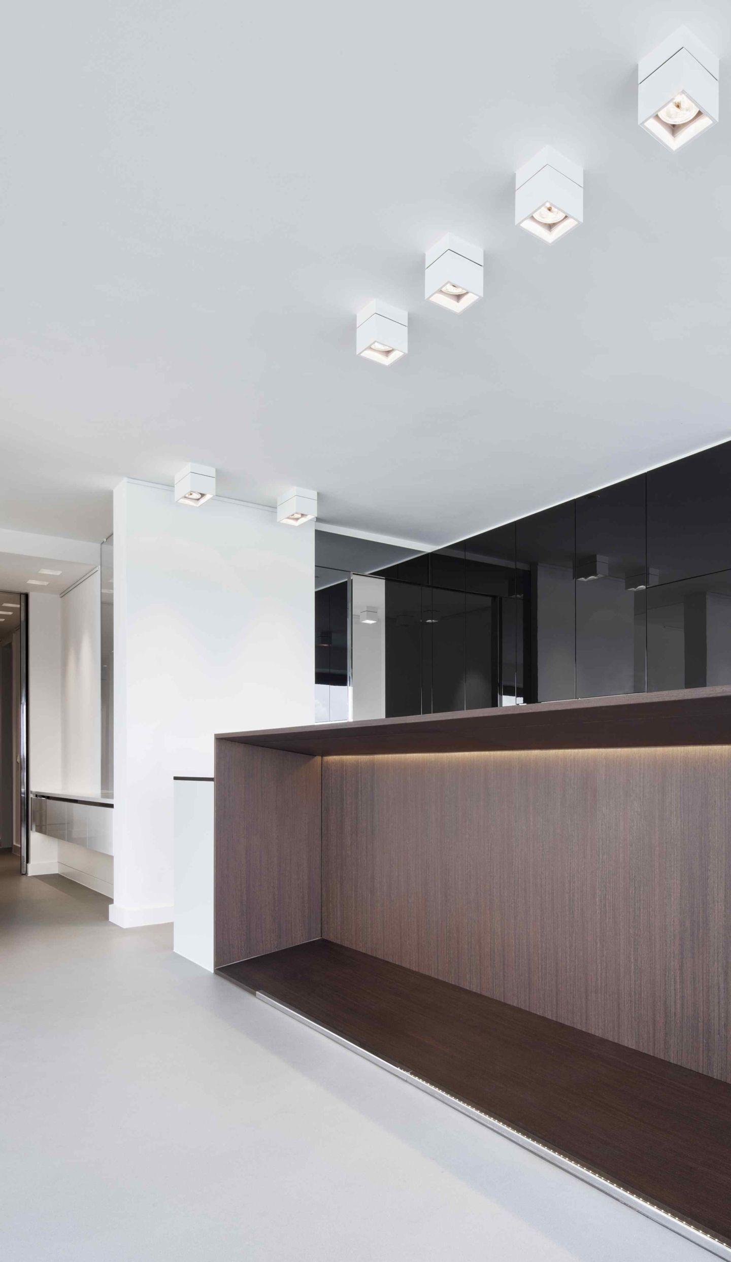 k che mit raumteiler. Black Bedroom Furniture Sets. Home Design Ideas
