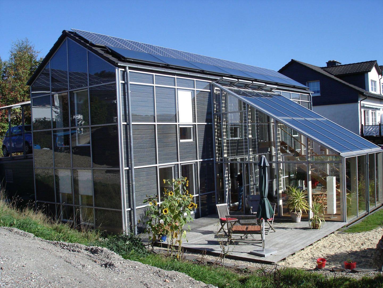 glashaus mit solaranlage. Black Bedroom Furniture Sets. Home Design Ideas