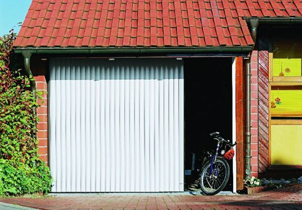 garage was das tor k nnen muss. Black Bedroom Furniture Sets. Home Design Ideas
