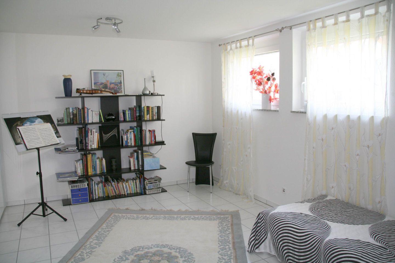 kellernutzung wohnen im keller sorgt f r mehr platz im zuhause. Black Bedroom Furniture Sets. Home Design Ideas