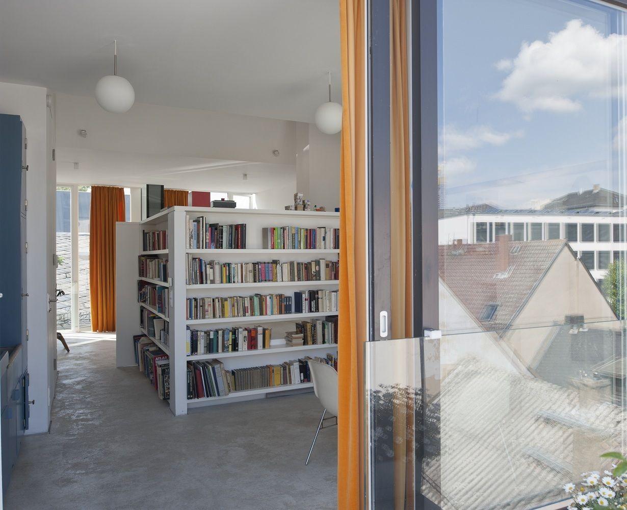 arbeitszimmer mit b cherwand. Black Bedroom Furniture Sets. Home Design Ideas