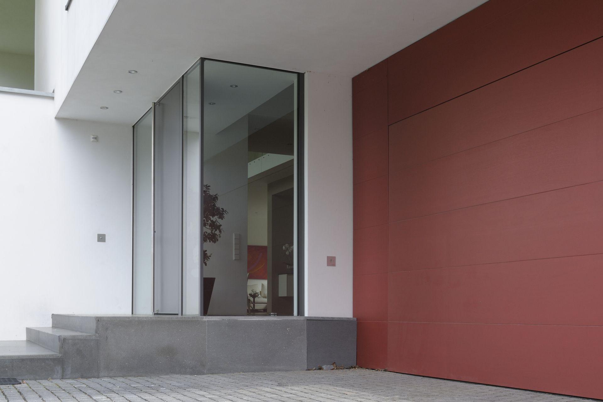 verglaster hauseingang ber eck. Black Bedroom Furniture Sets. Home Design Ideas