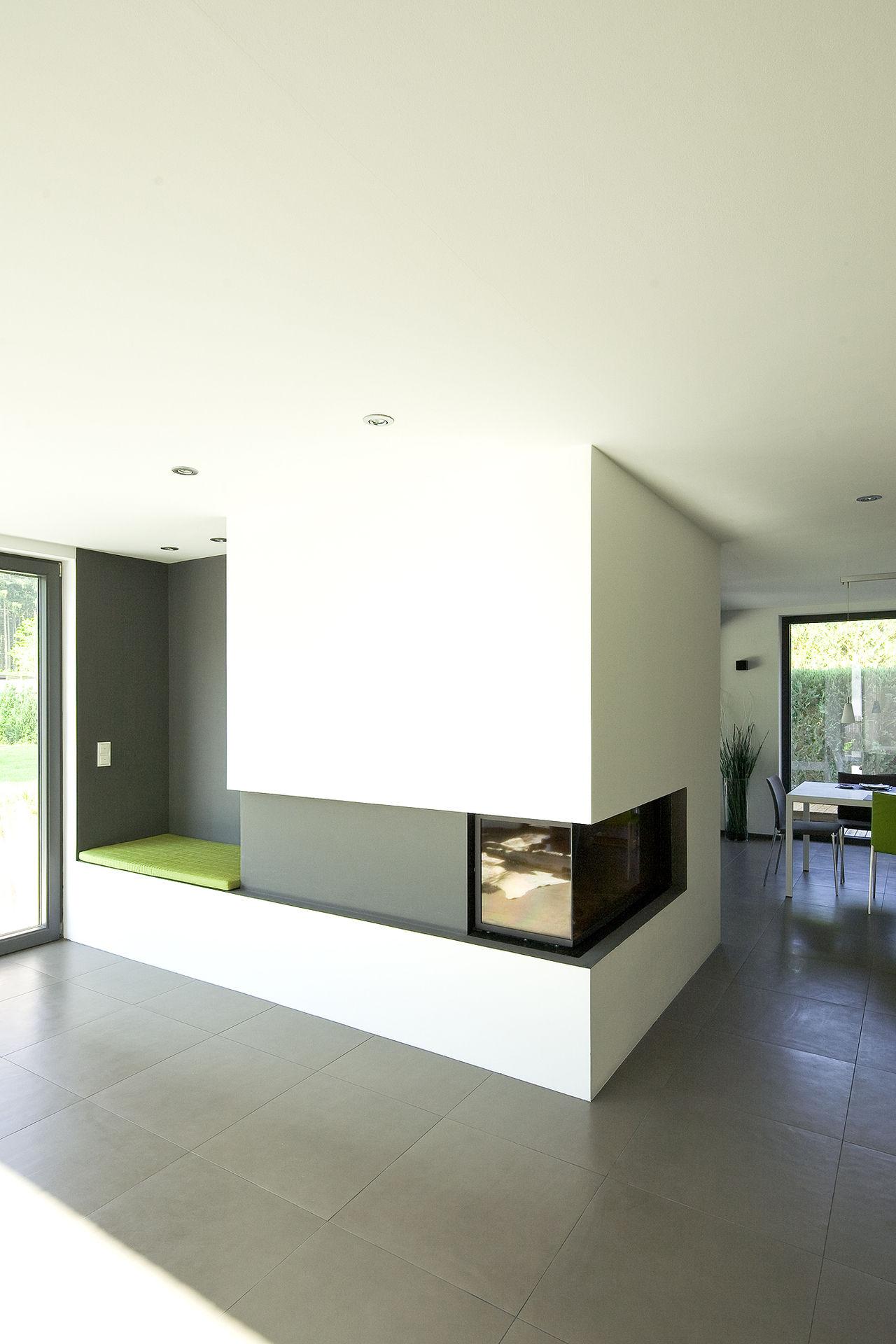esszimmer mit eck kamin. Black Bedroom Furniture Sets. Home Design Ideas