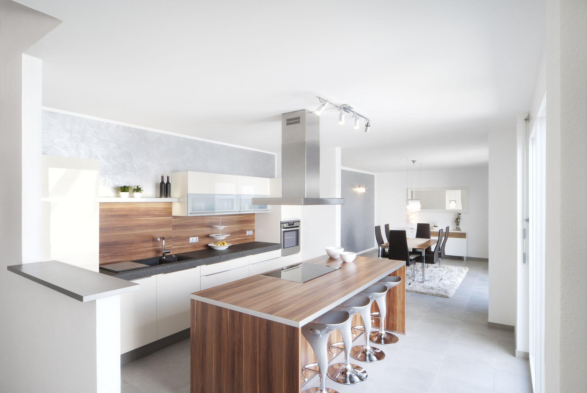 Küche mit Essplatz und Esszimmer   bauemotion.de