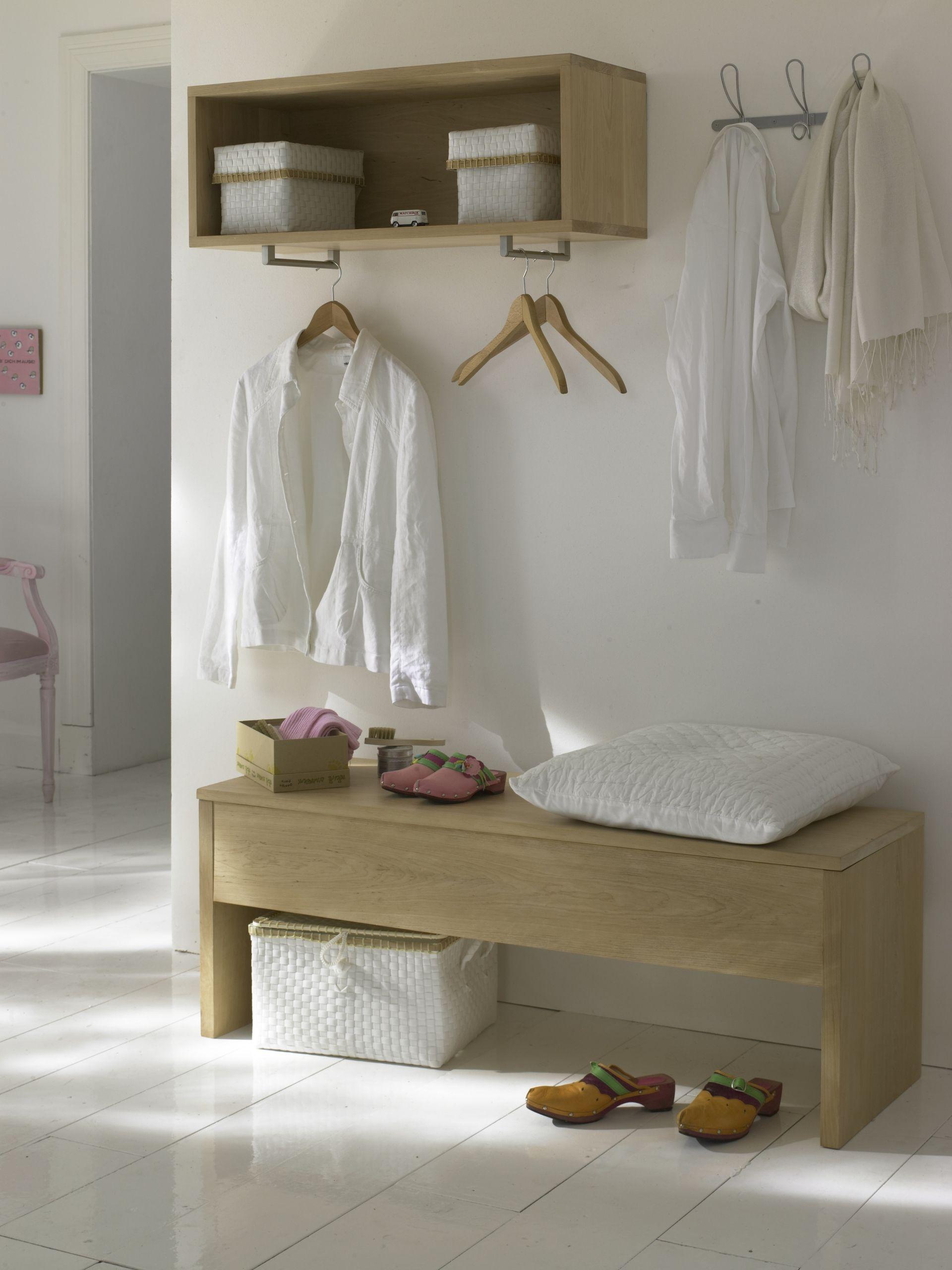 leicht und offen flur gestaltung mit modulen. Black Bedroom Furniture Sets. Home Design Ideas